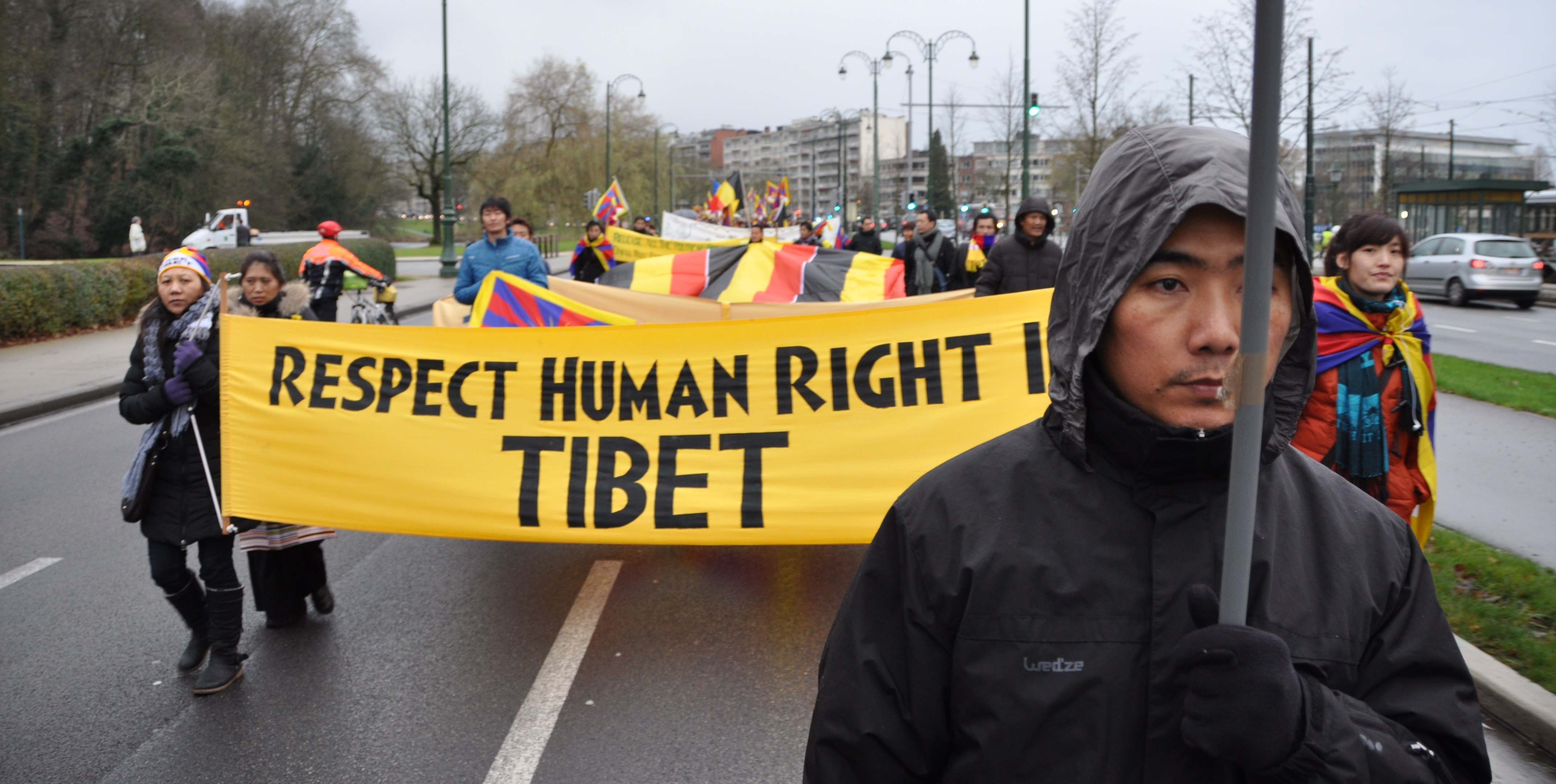 Respect human rights in tibet
