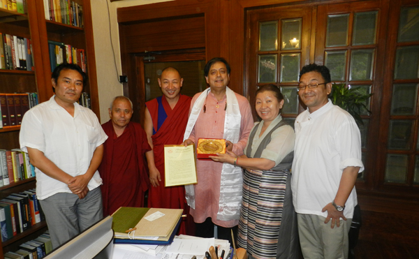 The Tibetan Parliamentary delegation meets Dr Shashi Tharoor, member of Parliament from the Indian National Congress, in New Delhi, on 15 July 2014