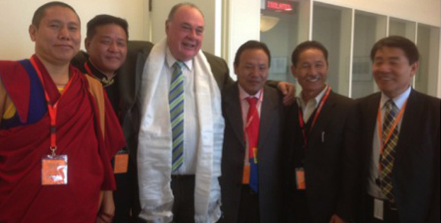 Tibetan Parliamentary Delegation with Hon. Warren Entsch, Member of Australian Parliament, in Canberra, Australia, on 27 August 2014. (Photo courtesy tibet.net)