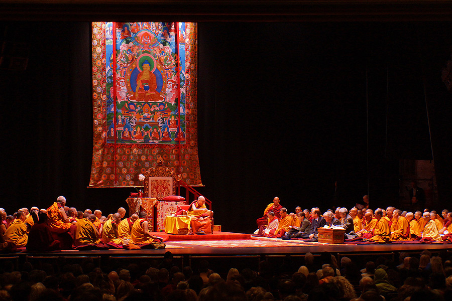 A view of the stage at the Beacon Theater during the first day of His Holiness the Dalai Lama's two day teaching in New York, NY, USA on November 3, 2014. (Photo courtesy/Jeremy Russell/OHHDL)