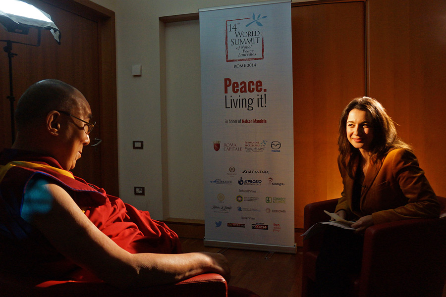 Yalda Hakim of BBC World interviewing His Holiness the Dalai Lama in Rome, Italy on December 13, 2014. Photo/Jeremy Russell/OHHDL