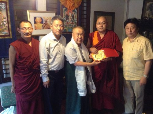 The Tibetan parliamentary delegation with long time Tibet supporter Mr. Sulak Sivaraksa. (photo courtesy: tibet.net)