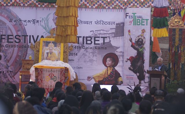 Mr. Tempa Tsering, Representative of His Holiness the Dalai Lama reading the statement of the Kashag during the inauguration of the Festival at Dilli Haath, New Delhi. (Photo courtesy: tibet.net)