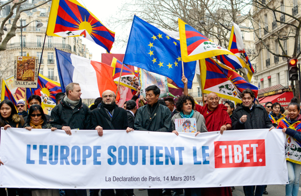 Tibetan PM Lobsang Sangay participates in the 'Europe Stands for Tibet Rally' in Paris, France. March 14, 2015. ( Photo courtesy: Phayul/Norbu Wangyal)