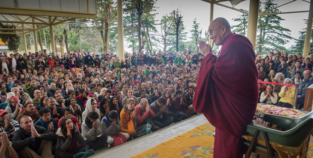 His Holiness the Dalai Lama greeting foreign and domestic tourists in Dharamshala, 30 March 2015. (Photo courtesy: dalailama.com)