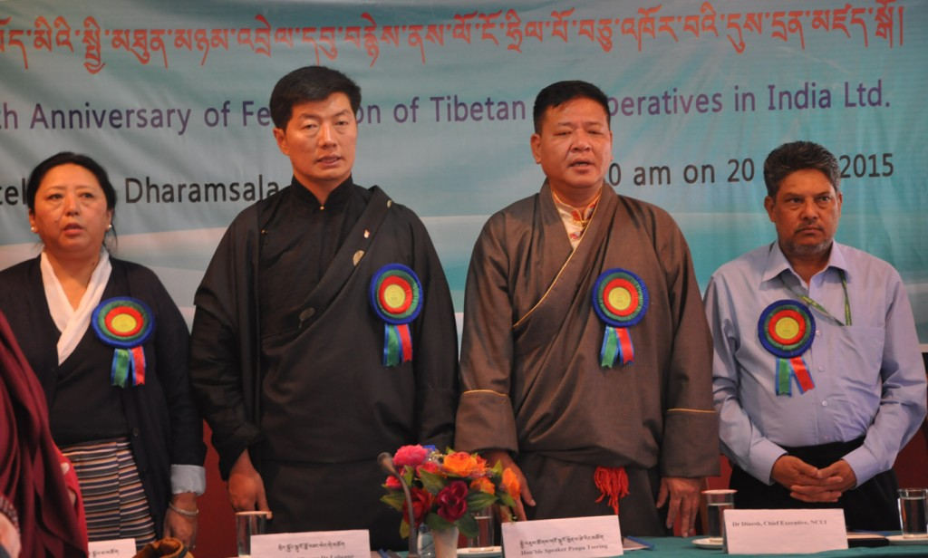 Standing from left: Home Kalon Dolma Gyari, Sikyong Dr. Lobsang Sangay, Speaker Mr. Penpa Tsering and Dr. Dinesh. (Photo courtesy: tibet.net)