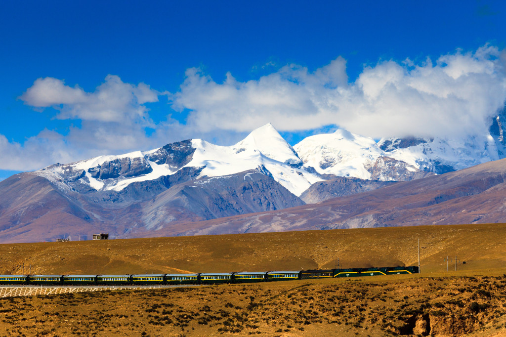 Progress reported in building of second China-Tibet railway