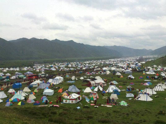 A Kalachakra held in the grasslands of the Kotse area, around 150 km from Labrang.  (Photo courtesy: savetibet.org)