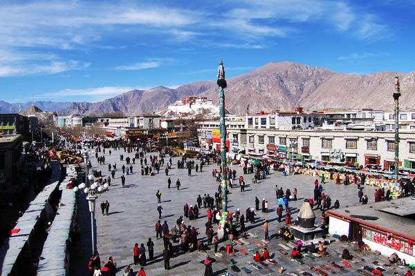 Non-Chinese foreigners ordered to leave Tibet by Feb 25