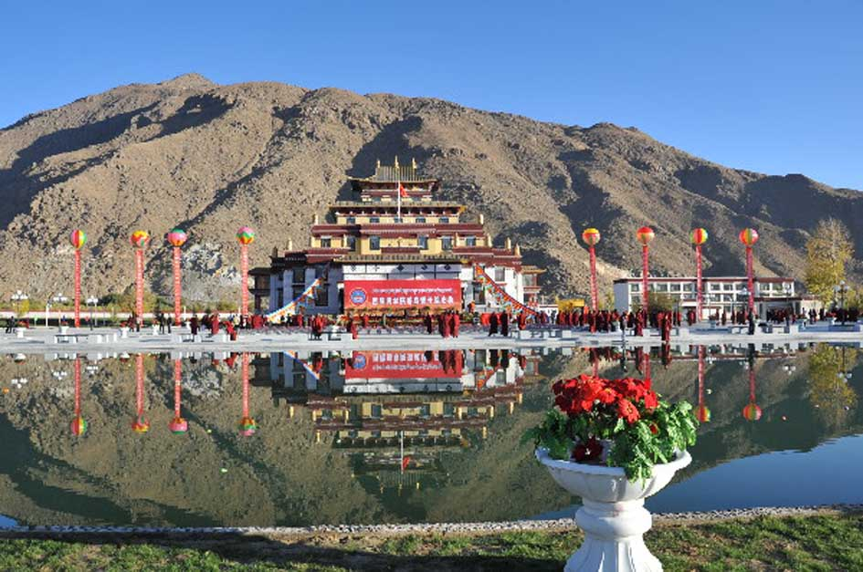The Tibetan Buddhism College is located in Nyethang Township, Chushur County, Lhasa. Photo shows a panoramic view of the Tibetan Buddhism College. (Photo courtesy/eng.tibet.cn)