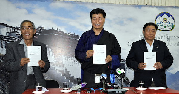 From left: Mr. Thubten Samphel, Director of Tibet Policy Institute, Sikyong Dr. Lobsang Sangay and Mr. Lobsang, chief advisor of the Tibet Policy Institute. (Photo courtesy: tibet.net)