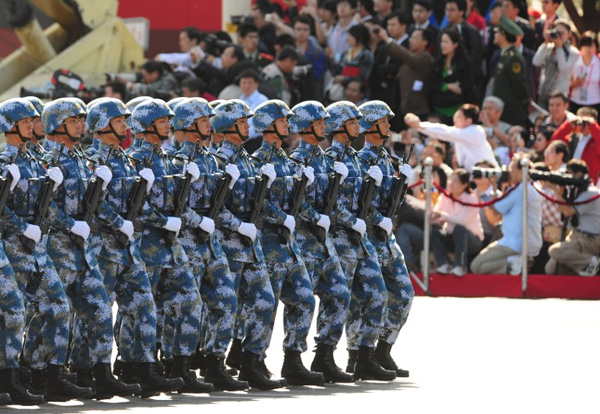 Chinese People's Liberation Army soldiers march pass Tiananmen Square during the National Day parade in Beijing on Oct 1, 2009  (Photo courtesy/AFP FREDERIC J. BROWN)