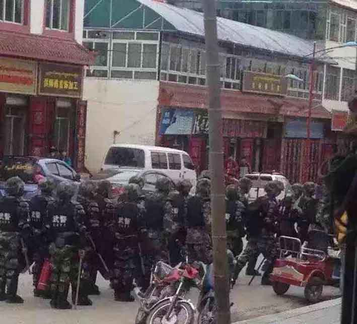 Special Anti-riot Police force stationed at major roads and intersections of Ngaba County Town. (Photo courtesy: TCHRD)