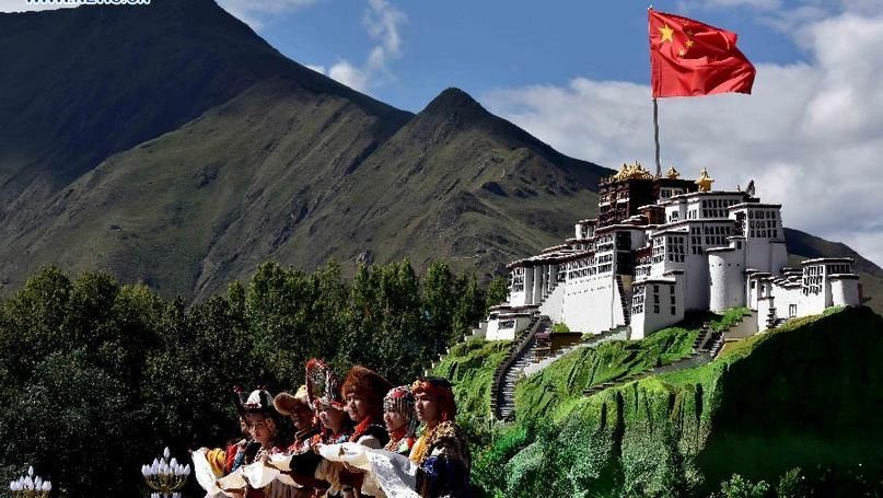 grand ceremony marking the 50th anniversary of the founding of the Tibet Autonomous Region at the square of the Potala Palace in Lhasa, capital of Tibet on Sept 8, 2015. (Photo courtesy: Xinhua)
