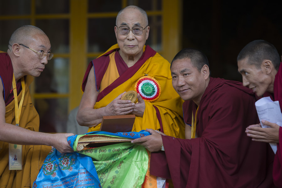 The people of Barkham Tsogshö offering His Holiness the Dalai Lama a symbol of gratitude during proceedings at the Theckchen Choeling courtyard in Dharamsala, HP, India on November 3, 2015. (Photo courtesy/Tenzin Choejor/OHHDL)