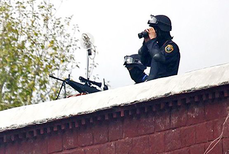 Chinese secret surveillance on Tibetans from the roofs of Buildings in Lhasa. (Photo courtesy: TPI)