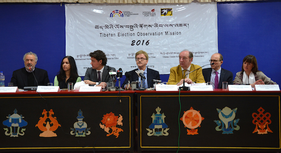 Delegation of the Tibetan Election Observation Mission from the International Network of Parliamentarians on Tibet (INPAT) at the press conference, 21 March 2016. (Photo courtesy: tibet.net)