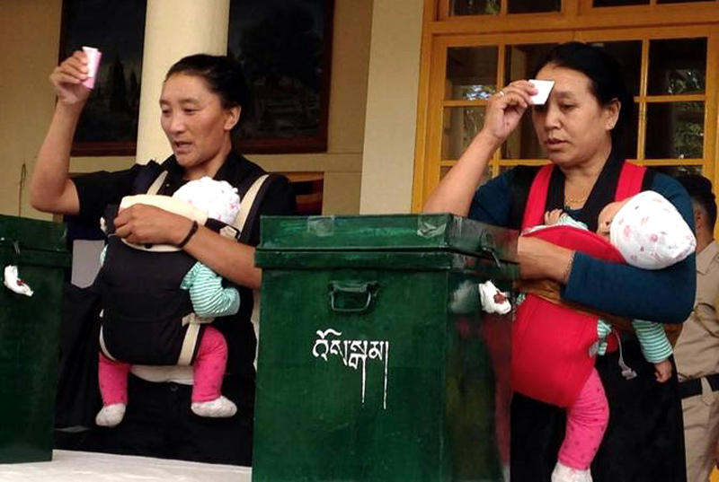 Exile Tibetans vote to elect new political leader, parliament in Dharamshala. (Photo courtesy: thetibetpost.com)