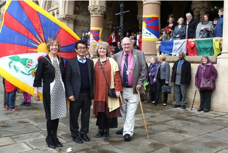 The Tibetan flag is raised above Northampton Guildhall after a ceremony By Representative Chonpel Tsering, Mayor John Caswell and Mayoress Cheryl Caswell. (Photo courtesy: tibet.net)