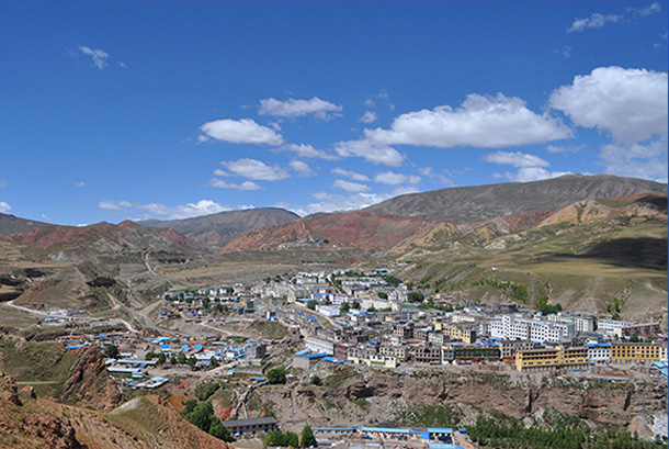 More than 60 people were injured, six of them seriously, after a 5.5-magnitude earthquake hit Kata Town in Dengqen (Tibetan: Tengchen) County of Tibet's Qamdo (Chamdo) City on May 11 morning. (Photo courtesy: TPI)