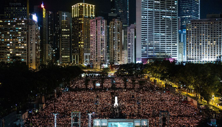 The world's largest yearly protest rally still drew 125,000 as the people of Hong Kong commemorated on Jun 4 the 1989 Tiananmen Square bloodbath in Beijing in which the Chinese People's Liberation Army killed possibly thousands of citizens protesting for democracy and end to official corruption. (Photo courtesy: CNN)