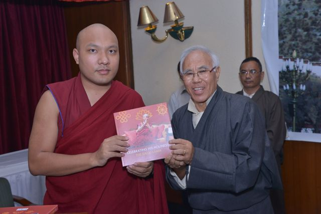 His Eminence Karmapa Rinpoche with former Kalon Mr Tempa Tsering at the launch of a book on His Holiness the Dalai Lama, published by Bureau of His Holiness the Dalai Lama based in New Delhi. (Photo courtesy: tibet.net)