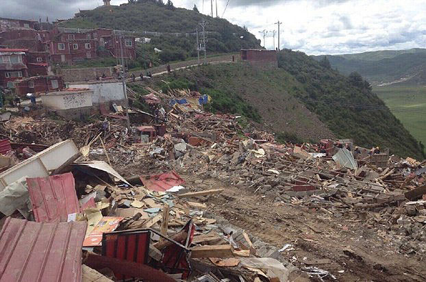 Chinese work crews had been leveling from 100 to 250 structures a day, resulting in at least 600 dwellings having been already torn down at the Larung Gar Buddhist Academy in Serta. (Photo courtesy: RFA)