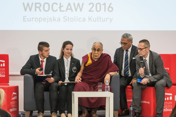 His Holiness the Dalai Lama speaking to students 'Our Dreams of Freedom' at the Depot History Center in Wroclaw, Poland on September 20, 2016. (Photo courtesy/Maciej Kulczynsk)