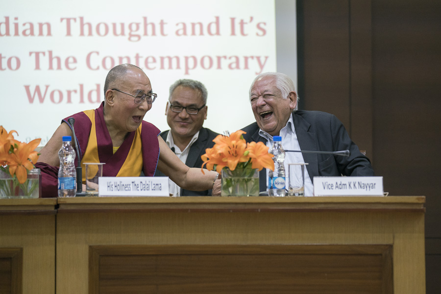 Vice Adm of VIF (Vivekananda International Foundation) K.K. Nayyar and His Holiness the Dalai Lama during the question and answer session after his talk in New Delhi, India on February 8, 2017. (Photo courtesy/Tenzin Choejor/OHHDL)