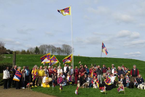 The Tibetan national flag raised at the Nipponsan Myohoji Buddhist Temple in Milton Keynes, the administrative centre of the Borough of Milton Keynes in Buckinghamshire. (Photo courtesy: tibet.net)