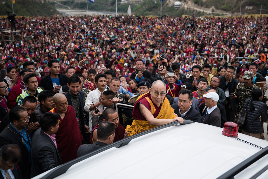 The crowd of over 20,000 looking on as His Holiness the Dalai Lama departs at the conclusion of his teaching at Thubsung Dhargyeling Monastery in Dirang, Arunachal Pradesh, India on April 6, 2017. (Photo courtesy: Tenzin Choejor/OHHDL)