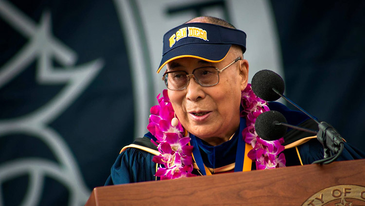 His Holiness the Dalai Lama delivering the Keynote Address at the UCSD Commencement ceremony in San Diego, CA, on June 17, 2017. (Photo courtesy: UCSD)