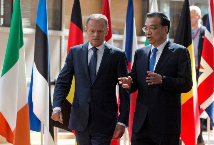 European Council President Donald Tusk and Chinese Premier Li Keqiang arrive at the EU-China Summit in Brussels on June 2, 2017. (Photo courtesy: Reuters)