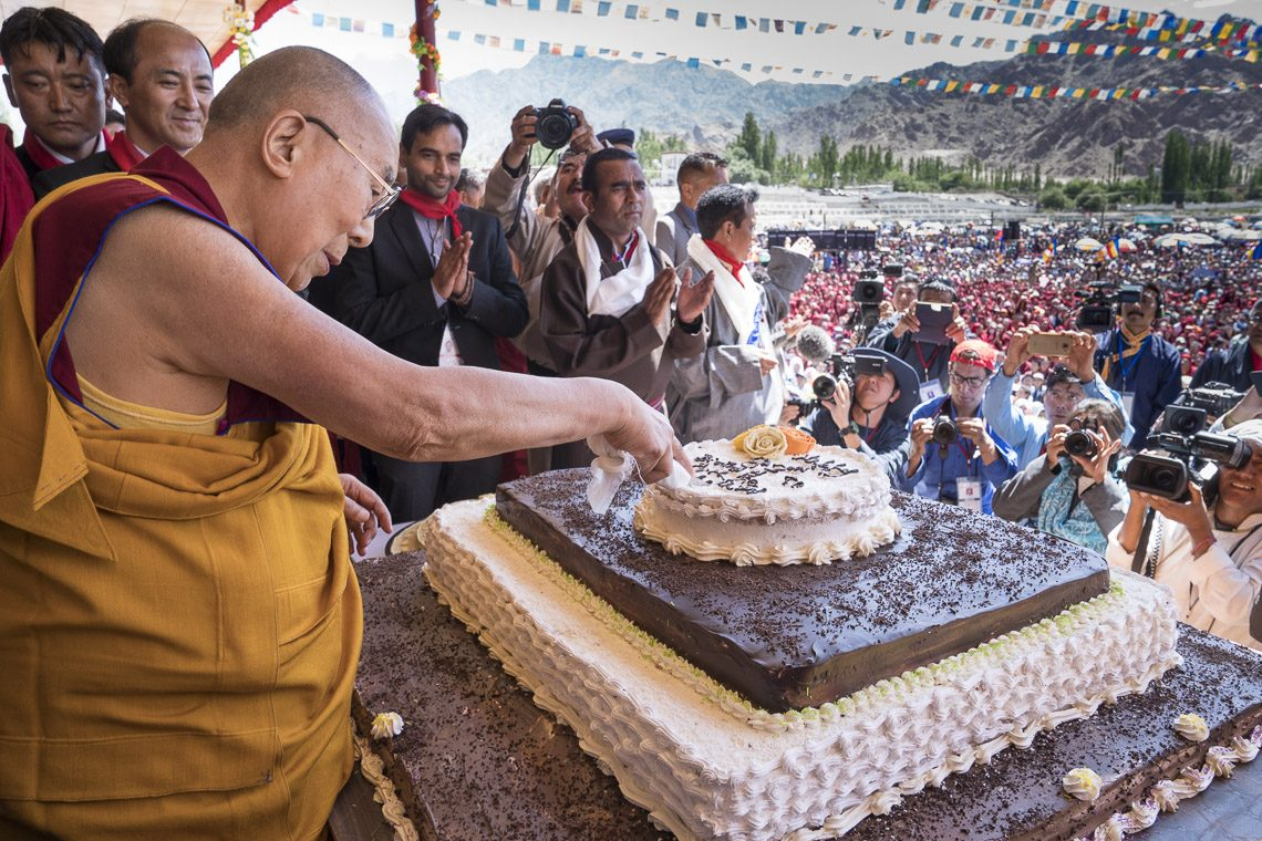Dalai Lama wishes to see lofty praises on his 82nd birthday in good deeds