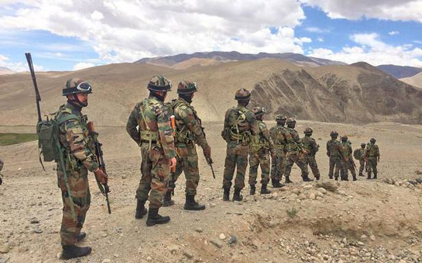BORDER PATROL: An army team in Sub-Sector North along the Line of Actual Control with China. (Photo courtesy: Dinakar Peri  /thehindu)