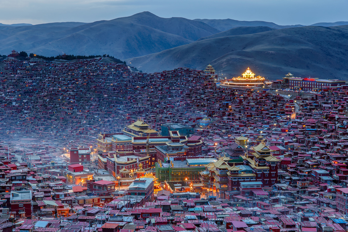 The Larung Gar Tibetan Buddhist Academy in twilight times, Serta (Chinese: Seda) County of Karze Prefecture, Sichuan Province, Tibet. (Photo courtesy: balancedachievement.com)