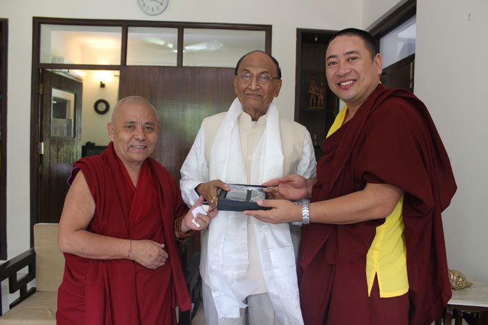Tibetan parliamentary delegation with  Shri C.P.Thakur, Rajya Sabha. (Photo courtesy: tibet.net)