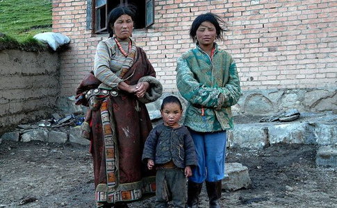 Poor Tibetans in Tibet