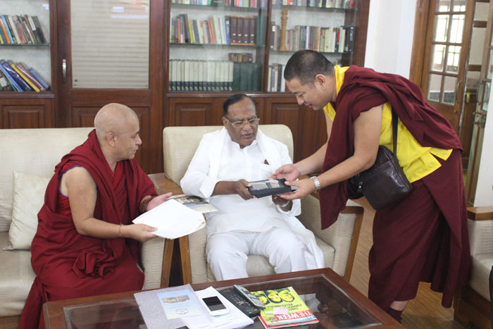 Tibetan parliamentary delegation with Shri Gutha Sukender Reddy, Lok Sabha. (Photo courtesy: tibet.net)