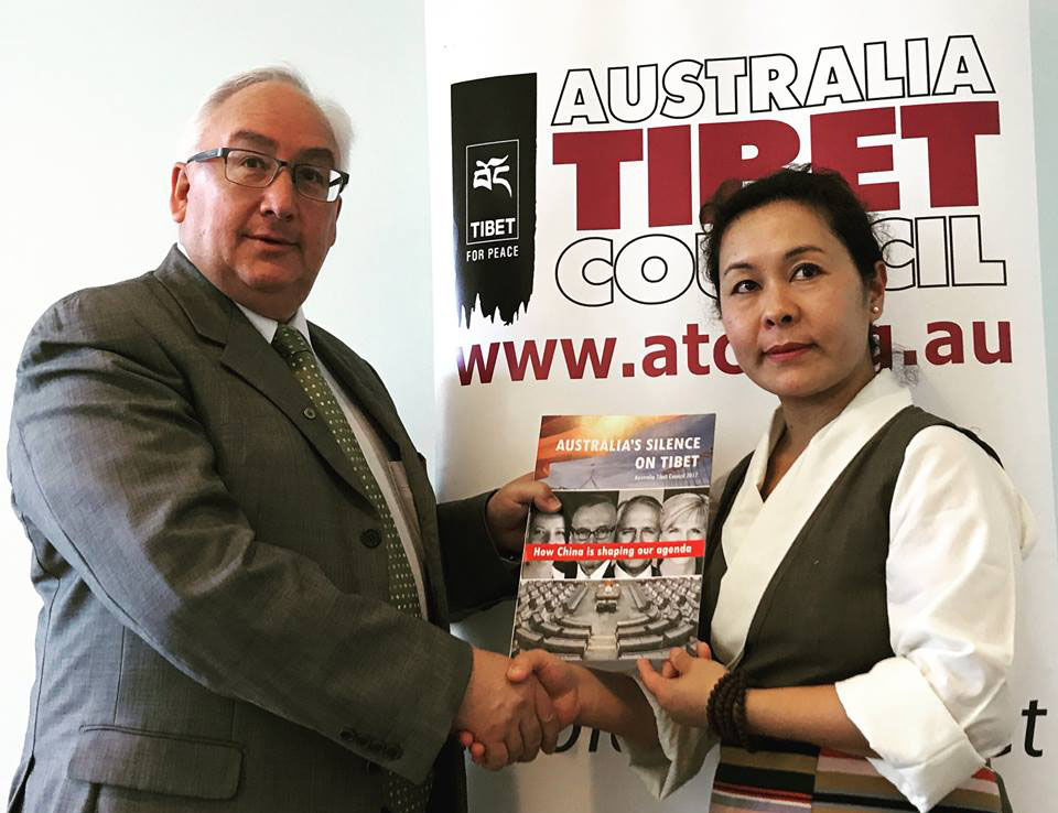 Australian MP Michael Danby with ATC Campaigns manager and Tibet MP Kyinzom Dhongdue at the launce of the report at Parliament House in Canberra, Australia. Sept. 13, 2017.