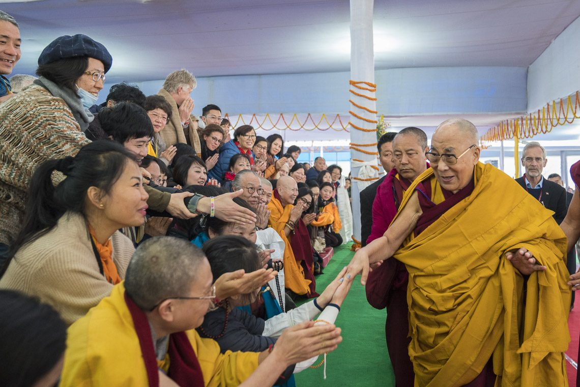Dalai Lama teaches mainland Buddhists at Bodh Gaya