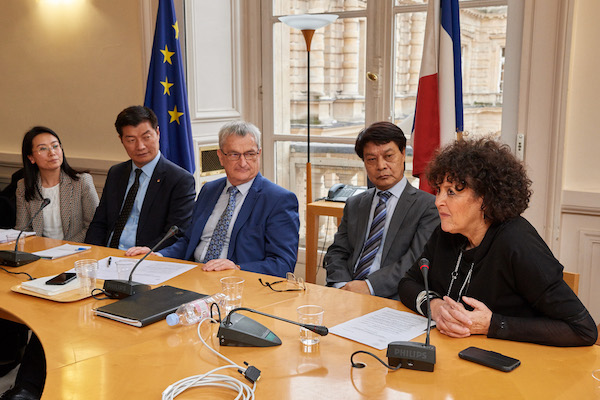 CTA President Dr Lobsang Sangay and Representative Tashi Phuntsok with French senators. (Photo courtesy: Tibet.net)
