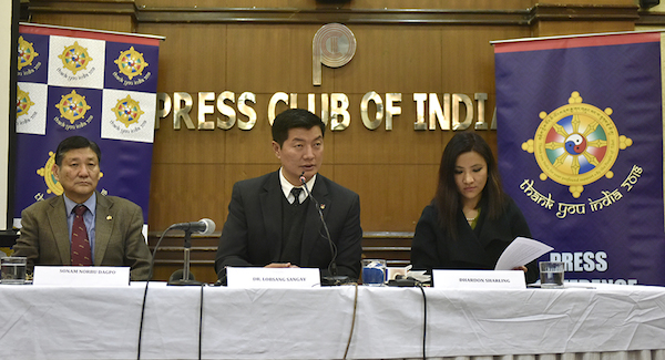 CTA President Dr Lobsang Sangay (c) with DIIR Secretary Sonam Norbu Dagpo (left) and DIIR Secretary Dhardon Sharling at the launch of the yearlong 'Thank You India' campaign at National Press club of India in New Delhi, 18 January 2018. (Photo courtesy: T Phende/DIIR)