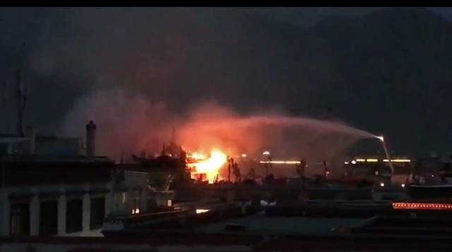 China plays down, but strictly censors news about Jokhang Temple fire