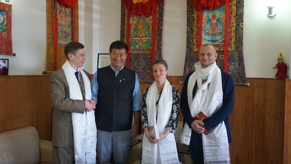 CTA President Dr Lobsang Sangay with Yoko Alender, Estonian MP and head of the Estonian Parliamentary Tibet Group; her husband Priit Juurmann and Roy Strider, Coordinator for Tibet support related activities in Estonia. (Photo courtesy: Tibet.net)