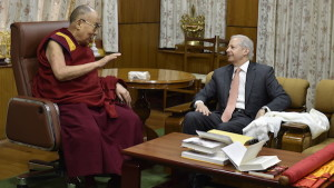 His Holiness the Dalai Lama with US Ambassador to India Kenneth Juster. (Photo courtesy/Tenzin Dhamchoe/OHHDL)