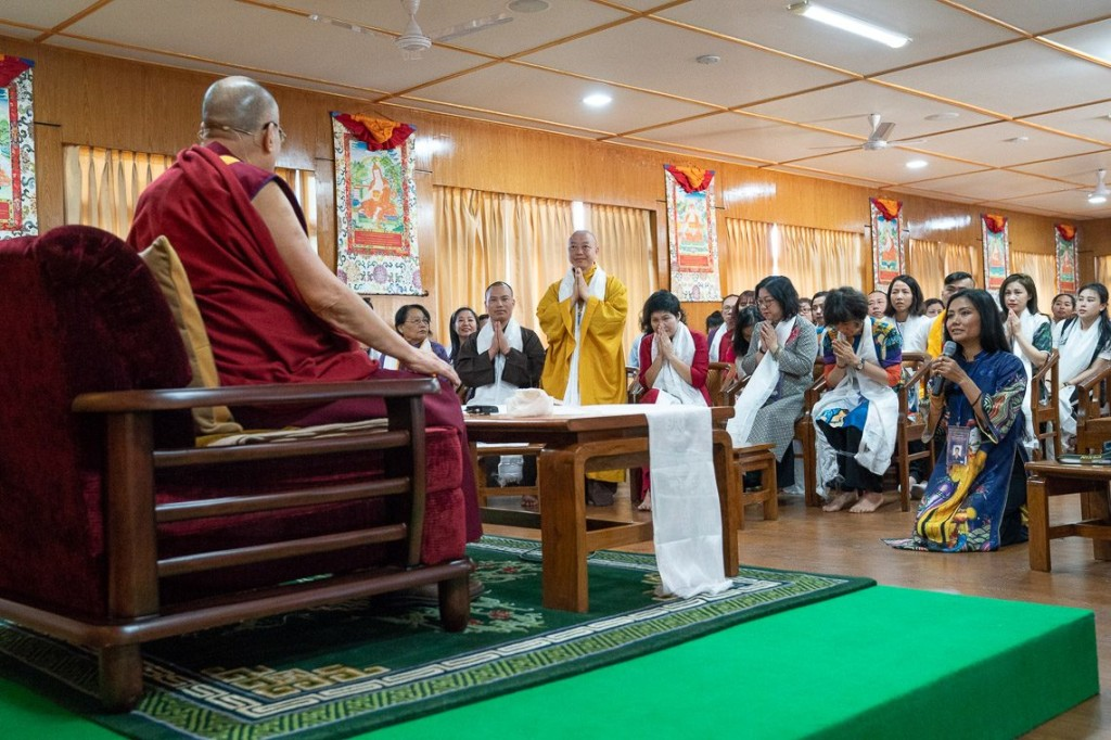 His Holiness the Dalai Lama interacting with the groups from Vietnam devotees at his residence in Dharamsala, HP, India on May 22, 2018. (Photo courtesy: Tenzin Choejor/OHHDL)