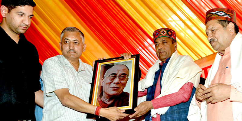 Chief Minister Mr Jai Ram Thakur of Himachal Pradesh has on May 6 expressed delight at the fact that Tibet's exiled spiritual leader, the Dalai Lama, had chosen the state of Himachal Pradesh as his second abode. (Photo courtesy: 5dariyanews.com)