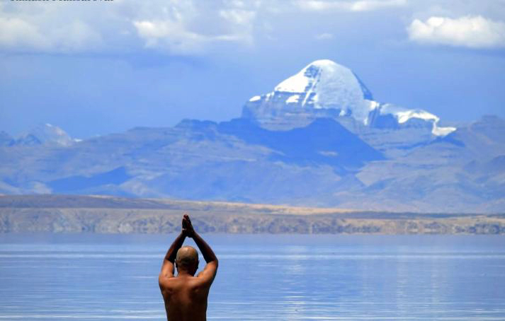 (Photo courtesy: thekailashmansarovar.com)