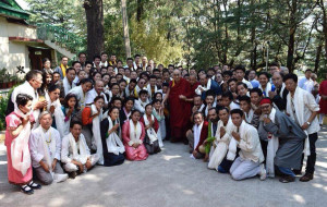 His Holiness the Dalai Lama with the participants of the International Rangzen Conference at Dharamshala. (Photo courtesy: INTERNATIONAL RANGZEN CONFERENCE/FB)